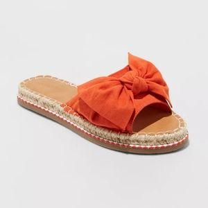 Universal thread bow sandals